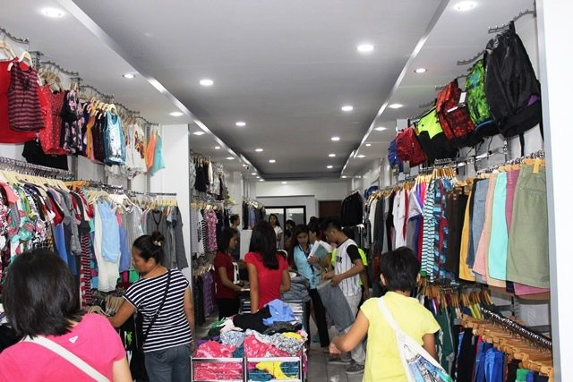 Mervz Overruns: Shoppers' Paradise in the Heart of the City